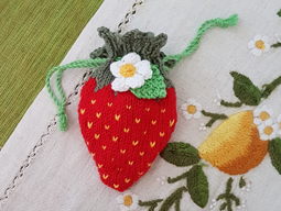 Knitted Strawberry purse image