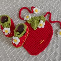 Strawberry Drool Bib and Booties  (0-12 months)