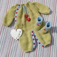 DK  – Hearts and Kisses Onesie and Bootie Set (0 – 9 month babies)