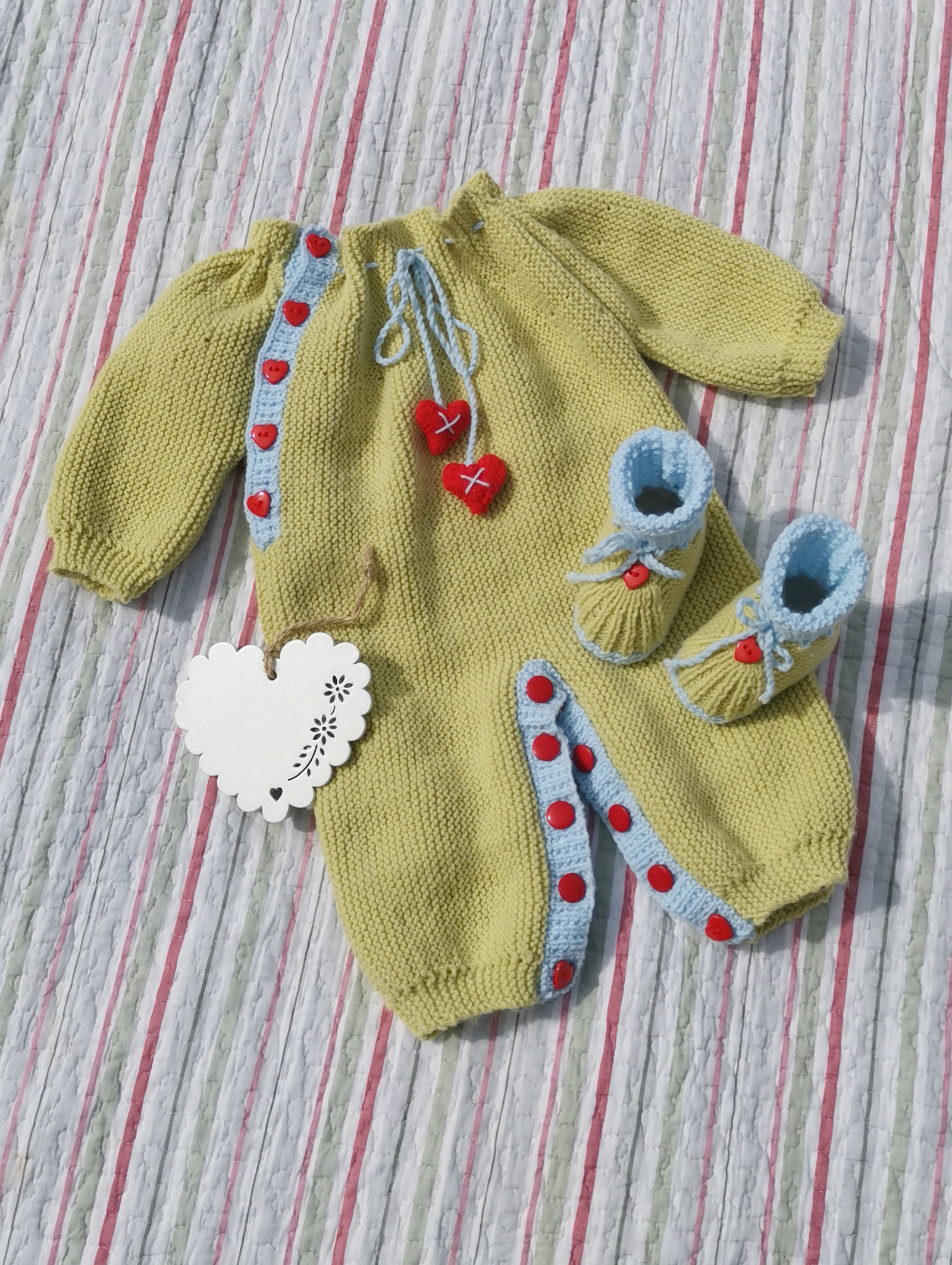 7b1007ff DK – Hearts and Kisses Onesie and Bootie Set (0 – 9 month babies ...